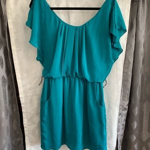 Cute little dress, turquoise w/pockets